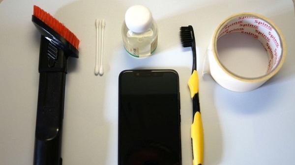 Инструменты для чистки телефона
